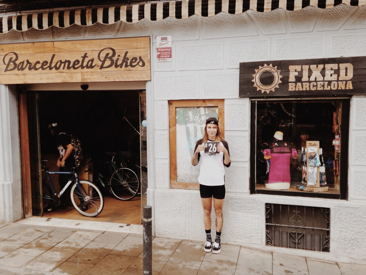 Juliet Elliott Cyclist Outside Barceloneta Bikes