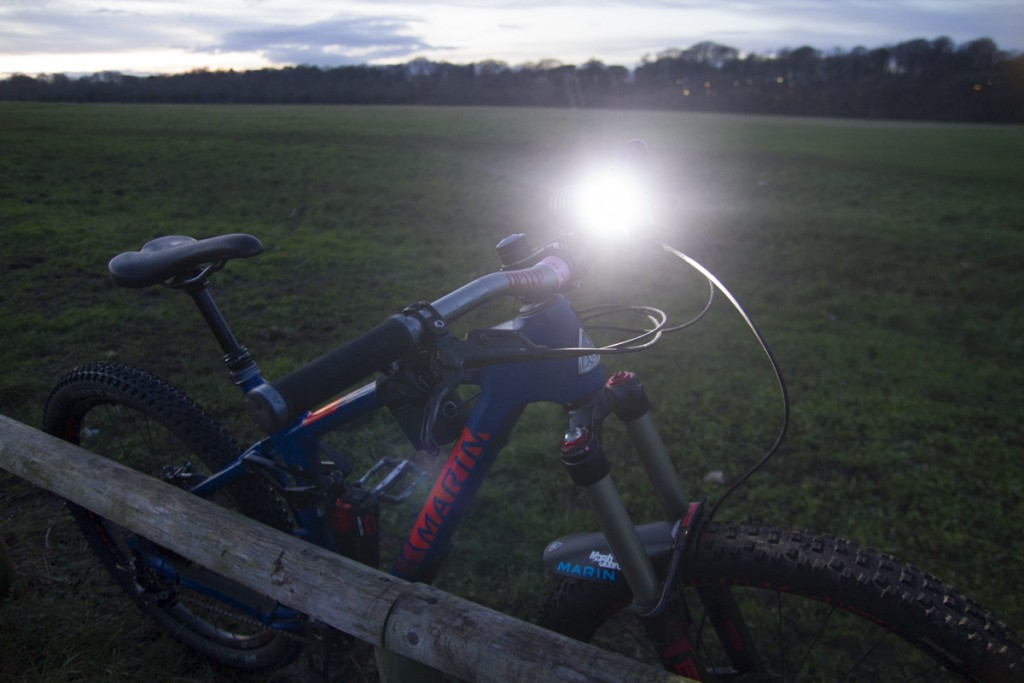UGOE 6000lm lights review night riding
