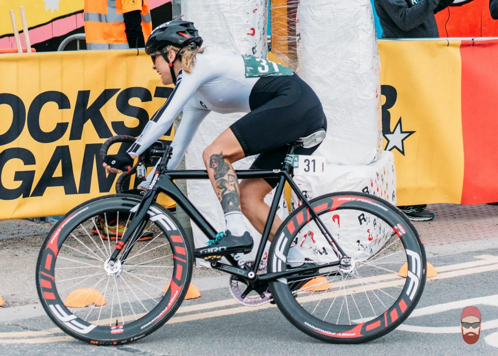 juliet elliott red hook crit fixed gear cycling
