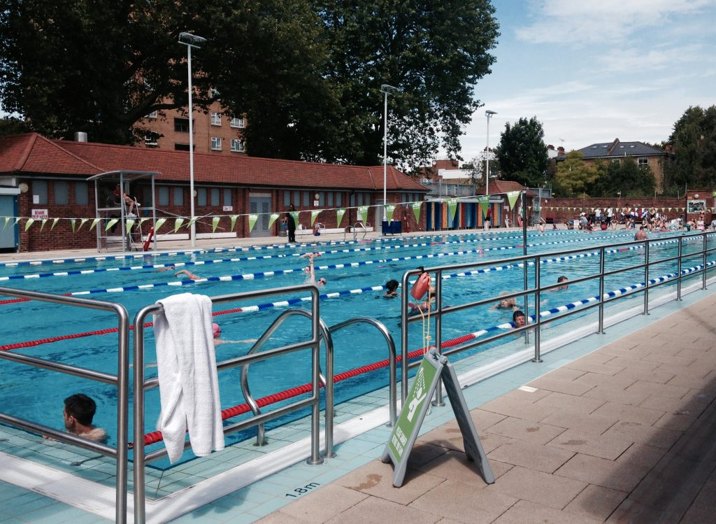 London fields lido2