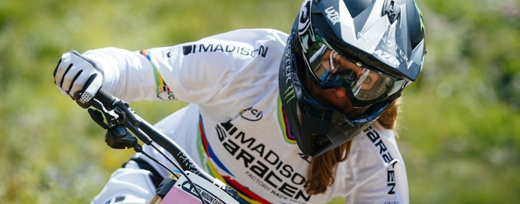 downhill_weekend_header_manon_carpenter