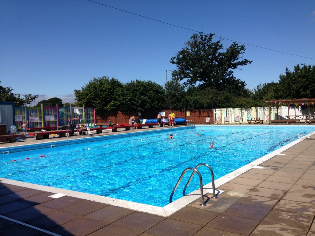 kingsteington-swimming-pool